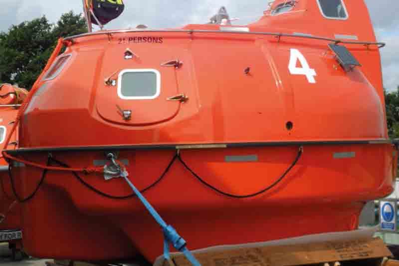 21 man lifeboat capsule