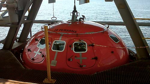 survival systems lifeboat capsule recovery