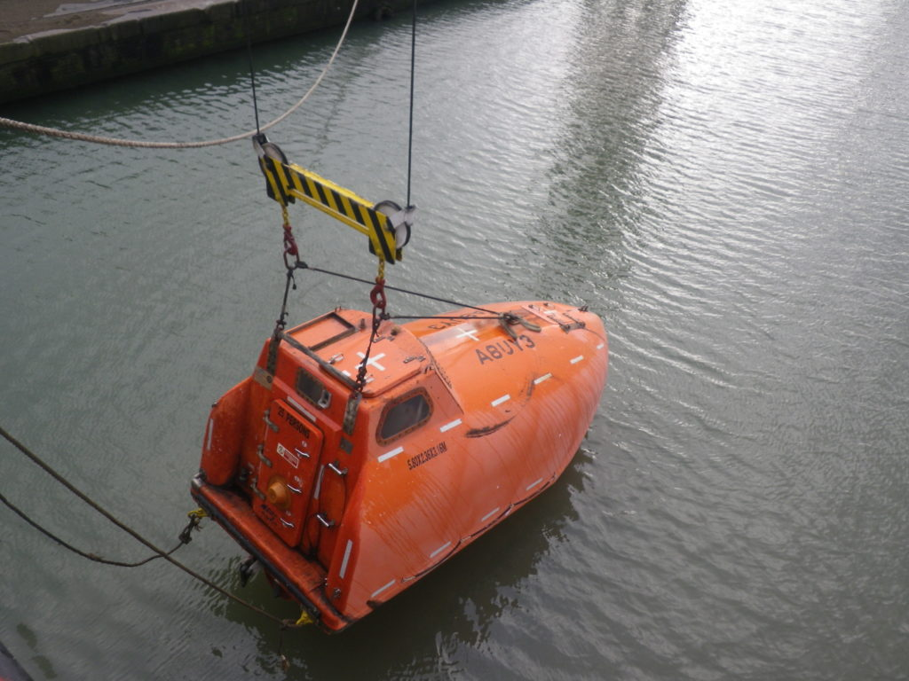 Free Fall lifeboat